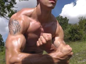 Ben Eastboy 2011 - Flexing