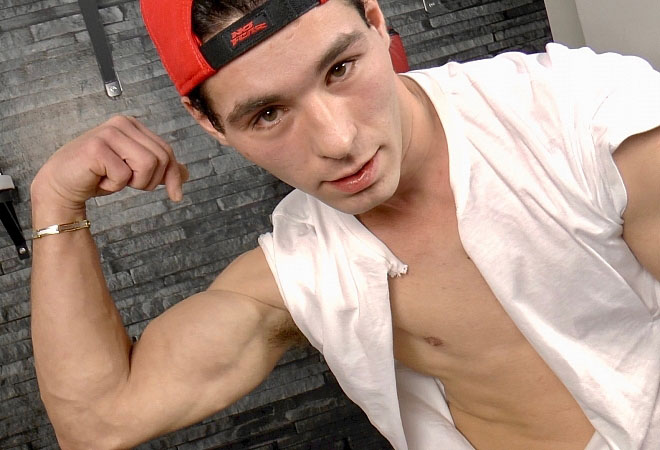 Muscle Flexing - Massage - Handjob