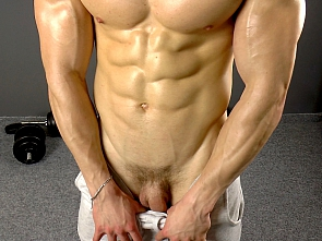 Casting -Muscle Flex - Jerking off