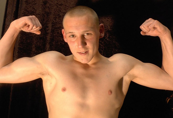 Exclusive Casting - Flexing, Jerking-off and Webcam Show
