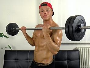 Web Cam - Jerk-off - Muscle Flex