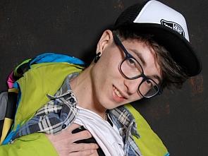 Luis Blava Exclusive - 18 Skater Boy