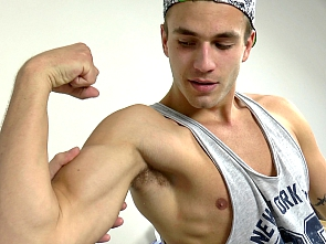 Will - Flex- Muscle Worship